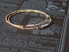 Very simple guitar string bracelet, anyone could do this    #handmade #jewelry #bracelet #guitar_string