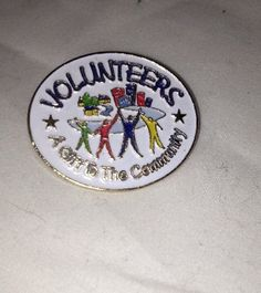 Volunteers A Gift To The Community Gold Tone Enamel Pin Pinback Lapel Pin