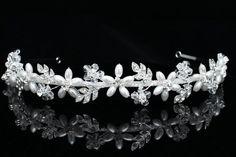 Handmade Rhinestone Crystal Flower Leaf Pearl Bridal Wedding Headband Tiara Venus Jewelry http://www.amazon.com/dp/B008E0AGEI/ref=cm_sw_r_pi_dp_6chiub1ZFS1RE