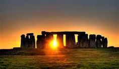 Stonehenge is a prehistoric monument in Wiltshire, England, about 2 miles west of Amesbury and 8 miles north of Salisbury. One of the most famous sites in the world, Stonehenge is the remains of a ring of standing stones set within earthworks. Stonehenge Uk, Stonehenge Pictures, Stonehenge Solstice, Monuments, World Photo, Summer Solstice, Solstice 2017, Happy Solstice, National Geographic