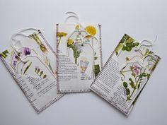 Stitched botanical journal pockets and tags, flower junk journal supplies by RosellasAndRoses on Etsy Journal Notebook, Junk Journal, Notebooks, Journals, Vintage Paper Crafts, Paper Pocket, Book Making, Envelopes, Ephemera