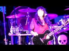 Heart Live at Hollywood Bowl - What About Love/Dreamboat Annie/Dog & But...