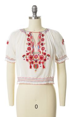 Peasant Tops, Tunic Tops, Tie Shorts, Swing Rock, Novelty Print, Floral Embroidery, White Cotton, White Fabrics, Bunt
