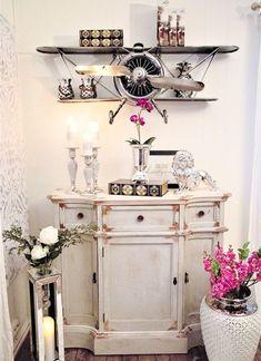 En unik og trendy nettbutikk som setter pris på vakre og unike ting Cabinet, Chic, Storage, Furniture, Home Decor, Clothes Stand, Shabby Chic, Purse Storage, Elegant