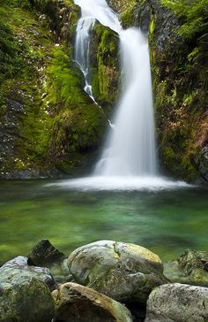 Mystical Falls - Oregon how come i didn't know of any of these places in OR?!