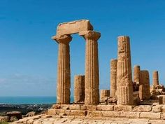 Valle dei Templi, simbolo della città di Agrigento - Archaeological Area of Agrigento