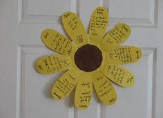 Sunflower of Thanks Craft  I have a few kids who are done early with projects and this is something they can do on their own while the others finish.