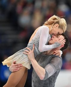 Silver medallists Germany's Aliona Savchenko and Bruno Massot compete in the pairs free skating event at the ISU World Figure Skating Championships in Helsinki, Finland on March / AFP PHOTO / Daniel MIHAILESCU World Figure Skating Championships, World Championship, Aliona Savchenko, Synchronized Skating, Girls Football Boots, Roller Skating, Roller Derby, Ice Dance, Skateboard Girl