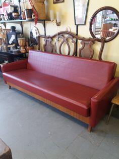 Keinonahkainen, 60 -luvun vuodesohva. Siistikuntoinen. Leveys 200 cm. MYYTY. Sofa, Couch, Furniture, Vintage, Design, Home Decor, Settee, Settee, Decoration Home