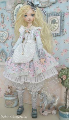 Купить Алиса - бледно-розовый, трикотаж, единственный экземпляр, ручная авторская работа, голубой цвет