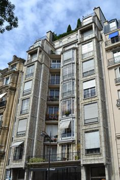 I have written previously of the works of architect Auguste Perret (particularly his Mobilier National building ), but not as yet of his two...