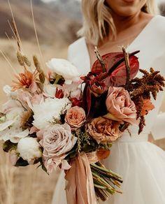 Autum Wedding, Blush Wedding Flowers, Garden Party Wedding, Wedding Flower Arrangements, Flower Bouquet Wedding, Wedding Colors, Fall Bouquets, Fall Wedding Bouquets, Fall Wedding Decorations
