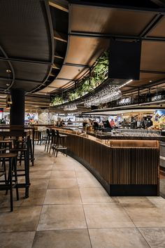 Luchetti Krelle_Bridge Bar Food Court Design, Pub Design, Lounge Design, Bar Lounge, Restaurant Concept, Cafe Restaurant, Restaurant Interior Design, Cafe Interior, Bar Counter Design