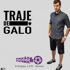 PUBLICIDADE  _ Traje de #Galo para comemorar a classificação para a final do campeonato Mineiro e para as oitavas de final da libertadores!  É para acompanhar as decisões em grande estilo e carregando o galo no peito!  Lembrando que nesse mês de Abril a loja da Palla D'oro / Paixao & Futebol está com toda a linha em promoção. _  Camisa social masculina  De: R$ 19990 Por: R$ 15999 _  Camisa social feminina  De: R$ 16999 Por: R$ 13990  Ta esperando o quê? Corra lá na Loja e garanta já as suas…