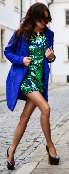 2015 GREEN SEQUIN DRESS AND BLACK HEELS!  PS:(How to Accessorize Your Green Sequin Dress)
