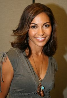 Black Women who never get there love Black Actresses, Black Actors, Most Beautiful Black Women, Beautiful Smile, Simply Beautiful, Black Hair With Highlights, Hair Highlights, Sally Richardson, Salli Richardson Whitfield