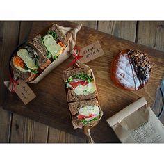 まるでベーカリー? nahoさんの朝食スタイルが素敵 - macaroni Asian Cake, Bread Shop, Toast Sandwich, Food Garnishes, Sandwiches For Lunch, Health Shop, Cafe Food, My Favorite Food, Food Photography