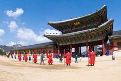 South Korea   Temple guards, Gyeongbokgung, Seoul, South Korea, photo by: hyku, used ...