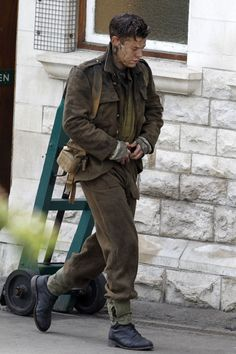 """Harry Styles Has Never Been Hotter Than He Is In These New """"Dunkirk"""" Set Photos  - Seventeen.com"""
