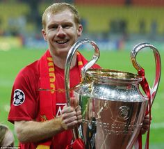 Scholes lifted the European Cup for the second time as United beat Chelsea in Moscow in 2008 - and this time was able to play in the final Manchester United Top, Visit Manchester, Manchester United Wallpaper, Man Utd Squad, Man Utd Fc, David Villa, Eric Cantona, Sir Alex Ferguson, European Cup