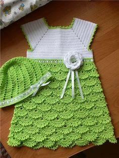 Ska försöka lista ut hur jag ska läsa detta mönster! Väldigt söt klänning!