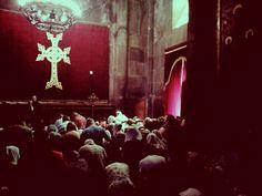 Armenia. Misa en el Templo de Geghard