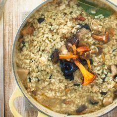 #deliciosa #receta de #arroz con #setas por el #blog #pimientosverdes en nuestra #cocotte #color #soleil :) #recipe #risotto #mushrooms #lecreuset