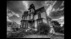 haunted-victorian-mansion-for-sale