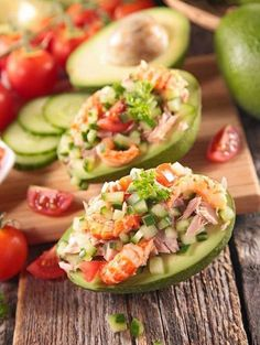 Avocado raw vegetables tuna prawns a nice entree summer freshness and holiday recipes cooking and dishes Source by alonsomichele Avocado Recipes, Snack Recipes, Healthy Snacks, Healthy Recipes, Raw Vegetables, Summer Recipes, Good Food, Food And Drink, Appetizers