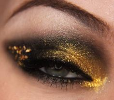 Love my Jangsara - totally trying this look for NYE!