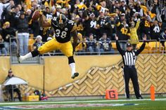 John Clay scores his first NFL TD in Dec. 2011.