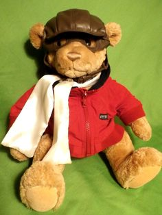 BEARON VON OOPS Gund teddy bear. He's wearing a  Lands End jacket, and leather pilot's hat and goggles. Maybe this little guy will fly your way for Christmas! #Gund #BearonVonOops
