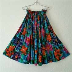 """Vtg. Crinkle Midi Festival Skirt A gorgeous, bright, vibrant midi festival skirt with elastic waist, and wide sweep. Great movement, perfect for dancing! Size small, India cotton skirt.  The elastic is good.  There is a repaired tear that falls between the folds, it is NOT visible, and does NOT affect wear. 11""""+ stretch across waist, 29"""" long, sits at natural waist. Would fit extra small to small. Vintage Skirts A-Line or Full"""