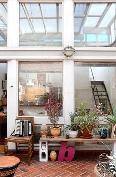 http://www.apartmenttherapy.com/brookes-stunning-bohemian-loft-house-tour-217903?utm_medium=email