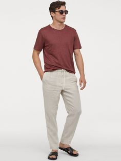 Relaxed-fit pants in woven linen fabric. Elasticized drawstring waistband zip fly with hook-and-eye fastener and slightly dropped gusset. Side pockets welt back pocket and tapered legs. Mens Linen Outfits, Linen Pants Outfit, Linen Trousers, Popular Mens Jeans, Denim Jacket Men, Denim Jackets, Jean Jackets, Ck Jeans, Hipster Man