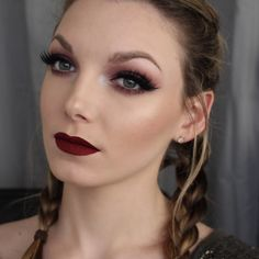 I created this deep smokey cranberry look yesterday, using the Morphe Brushes 35W palette. I'm really happy with the way it turned out! What do you think? Click the video to find out how to do it. ...