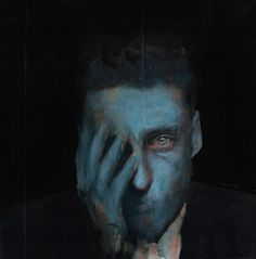 溶ける指。光る眼。青い皮膚。