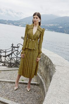 Alessandra Rich Spring 2020 Ready-to-Wear Fashion Show Collection: See the complete Alessandra Rich Spring 2020 Ready-to-Wear collection. Look 37 Fashion Line, Fashion Moda, Fashion 2020, High Fashion, Fashion Show, Womens Fashion, Haute Couture Style, Spring Fashion Trends, Spring Summer Fashion