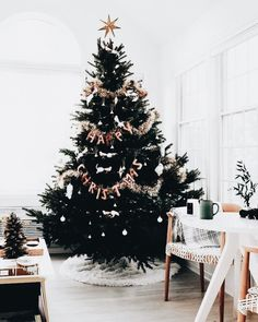 Here are best Black and White Christmas Decoration ideas. These Black and White Christmas decor include Christmas home decor & White & Black Christmas Trees Christmas Tree Inspo, Christmas Time Is Here, Christmas Mood, Merry Little Christmas, Christmas Inspiration, Christmas Tree Decorations, Christmas Lights, Christmas Tree Star Topper, Tinsel Christmas Tree
