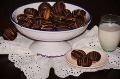 https://flic.kr/p/Mx65Us | Chocolate honey whoopie pie