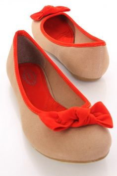 This is a very cute flats featuring canvas material, two tone style, bow decor, closed rounded toes, cushioned footbed, and finished with smooth soles.  0425