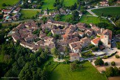 ✈️ Photo aérienne de : Pérouges - Ain (01)