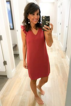 One of the best things about this time of year is the end of season sales. Today I'm sharing my LOFT try-on session with you. Plus Size Fall Fashion, Over 50 Womens Fashion, 50 Fashion, Fashion Over, Classy Outfits, Beautiful Outfits, Fall Fashion Trends, Autumn Fashion, Cyndi Spivey