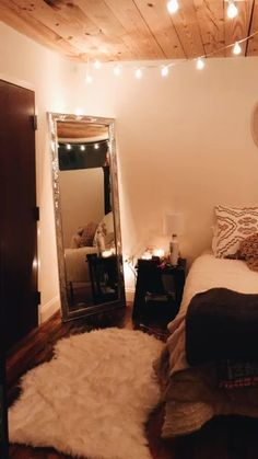 Bedroom dreams VSCO - lindsaygorey Aside from proper soil cultivation, the problem that is dreaded b Room Ideas Bedroom, Girl Bedroom Designs, Room Decor Bedroom, Home Bedroom, Western Bedroom Decor, Western Rooms, Master Bedroom, Bedrooms, Bedroom Lighting