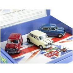 Scalextric Three Italian Job Mini Coopers Slot Car