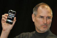 """Il prossimo festeggeremo i 10 anni di #iPhone, il dispositivo che portò il cellulare ad essere """"smart""""!"""
