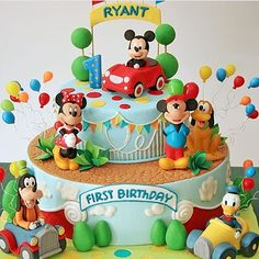 Bolo Do Mickey Mouse, Mickey Mouse Clubhouse Cake, Fiesta Mickey Mouse, Mickey Mouse Cupcakes, Mickey Cakes, Mickey Mouse Clubhouse Birthday, Mickey Mouse Birthday, Friends Birthday Cake, Baby Birthday Themes