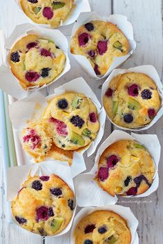Muffin alla frutta morbidissimi (Ricetta veloce, mille gusti) Breakfast Muffins, Breakfast Recipes, A Food, Food And Drink, Sweet Corner, American Cake, Sweets Cake, Cupcake Recipes, Yummy Cakes