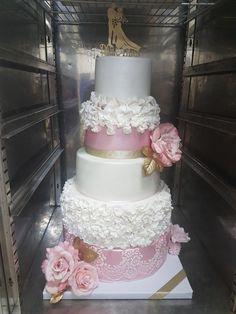 Wedding cake by Poppy's cake - http://cakesdecor.com/cakes/284915-wedding-cake