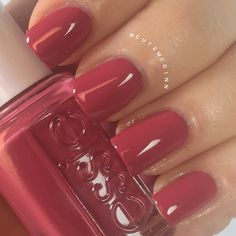Mrs. Always Right 983 Swatch Essie Bridal 2016